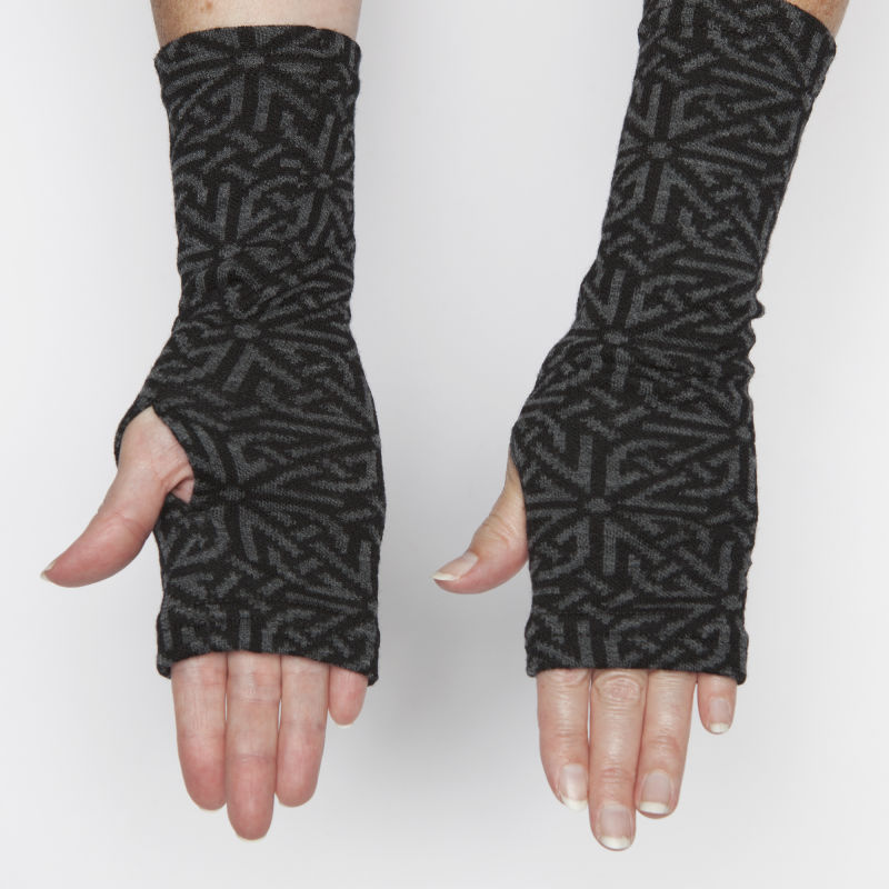 Jacquard knit hand-warmer